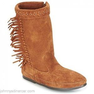 Minnetonka Luna Fringe Boot - Size 10, Brown.